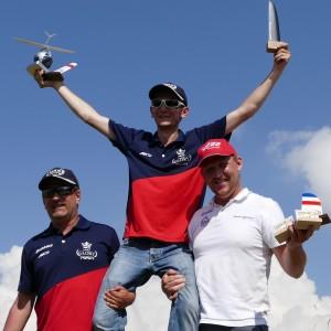 deux pilotes du Mac sur le podium